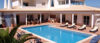 Casa Perucas-exterior-pool